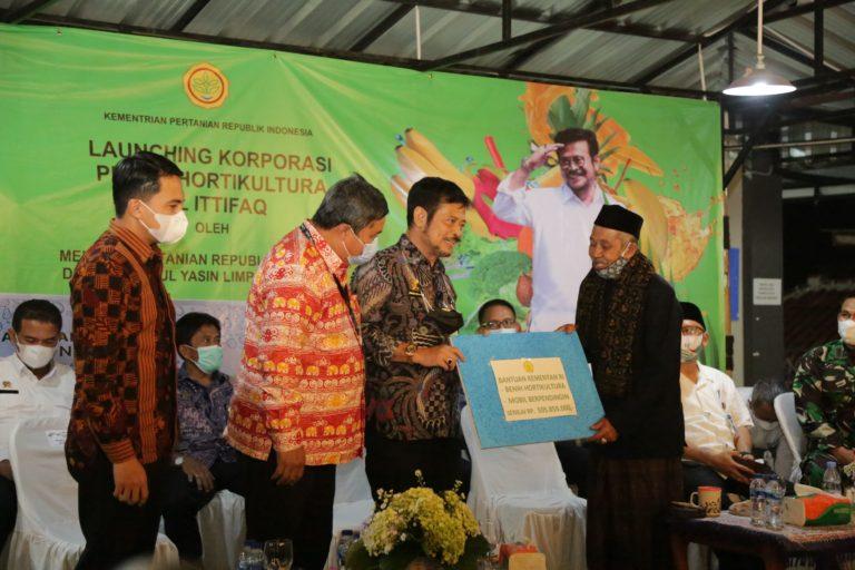 Mentan Syahrul Launching Korporasi Petani Hortikultura Pondok Pesantren di Bandung
