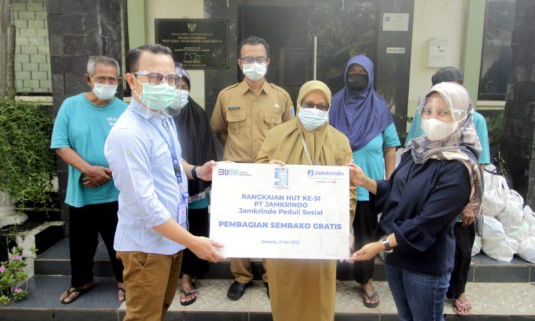 PT Jamkrindo Berikan Santunan untuk 1.000 Anak Yatim dan Bantuan 5.100 Paket Sembako