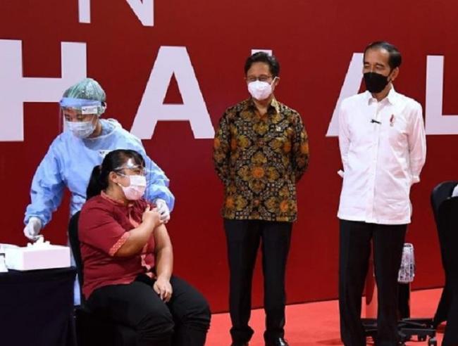 Jokowi: 500 Pedagang di Jakarta Sudah Terdaftar Ikut Vaksinasi