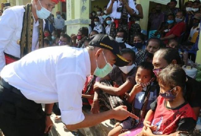 Kunjungi NTT, Muhadjir Temui Korban 'Amukan' Siklon Seroja