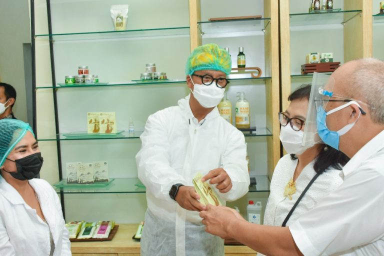 Tingkatkan Daya Saing IKM Kosmetik, Kemenperin Gencarkan Restrukturisasi Mesin dan Peralatan