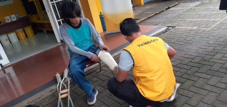 Jamkrindo Serahkan Bantuan Kaki Palsu dan Bantuan Pendidikan Jakarta