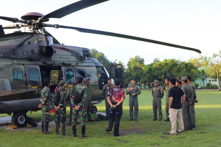 TNI Evakuasi Dua Jenazah Teroris Poso