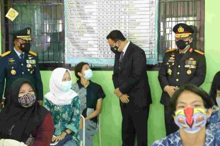Jakarta Jadi Provinsi Pertama Pakai Vaksin Sinovac bagi Usia 12-17 Tahun
