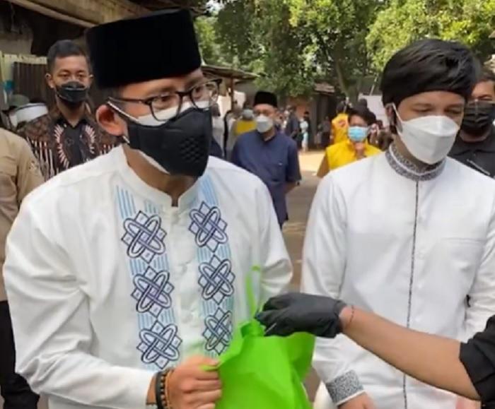 Ditemani Atta, Sandiaga Kawal Pemotongan 1000 Hewan Qurban