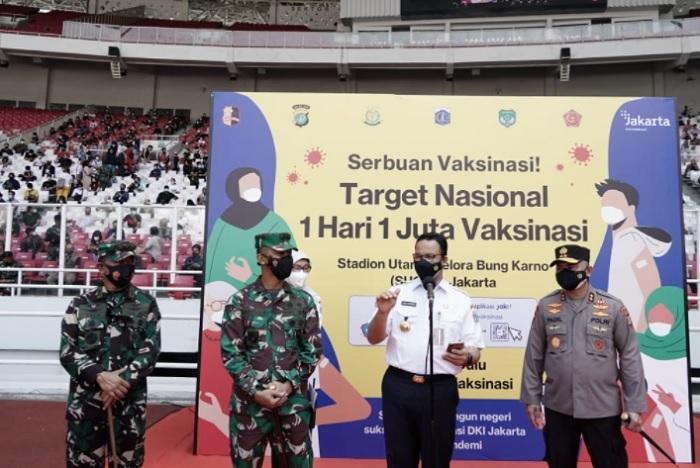 Tinjau 'Serbuan Vaksinasi', Anies Pastikan Warga Jakarta Terlindungi