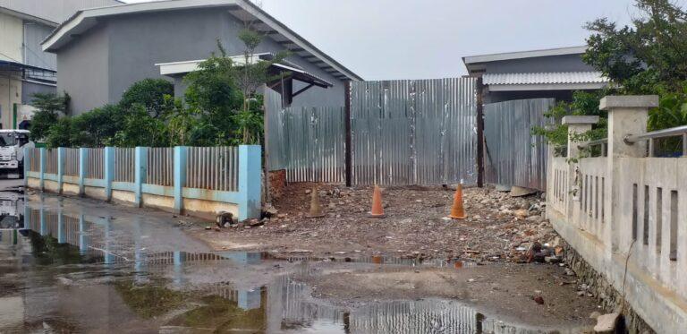 Segel Bangunan Liar di Kawasan Pelabuhan Muara Angke Dicopot