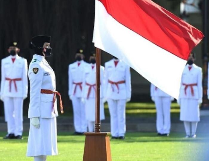 Jokowi Kukuhkan 68 Paskibraka di Istana Negara