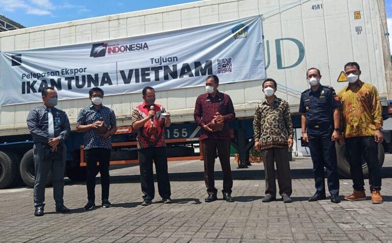 Kemendag Lepas 27 Ton Ikan Tuna Sirip Kuning ke Vietnam