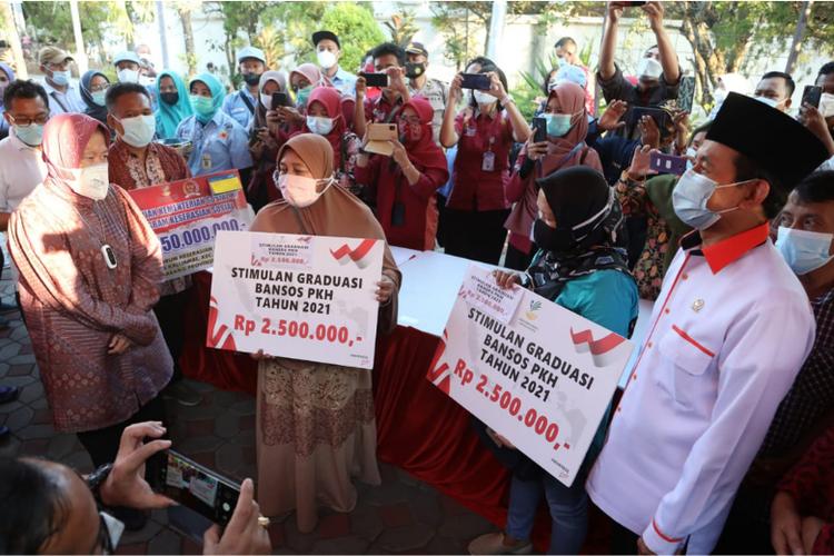 Ajak Mensos ke Dapil, Politikus PKS Boyong Bansos ke Semarang