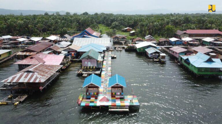 Program Bedah Rumah Sasar Pengembangan Kampung Wisata Sekitar Danau Sentani Papua