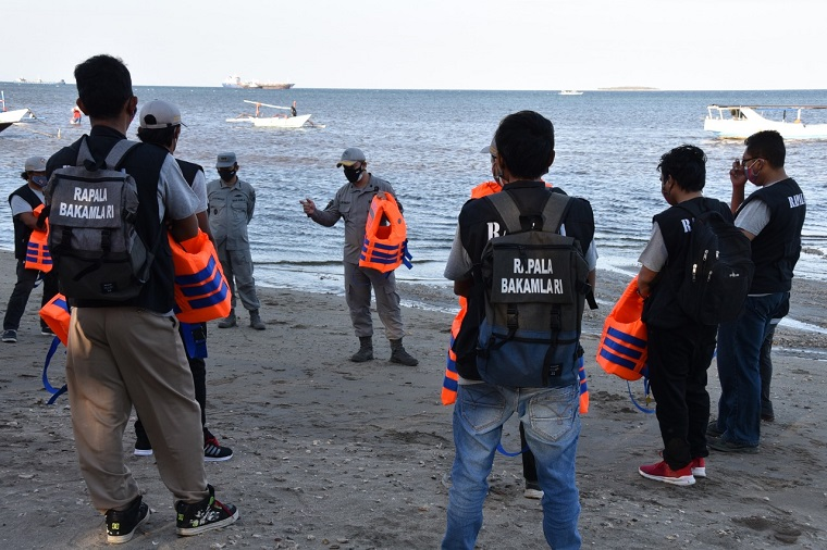 Bakamla Gelar Pembinaan Relawan Penjaga Laut di Banyuwangi
