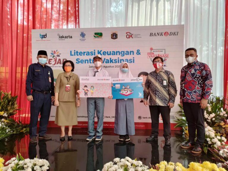 Kolaborasi Pemprov DKI dan OJK, Bank DKI Gelar Literasi Keuangan dan Vaksinasi untuk Pelajar