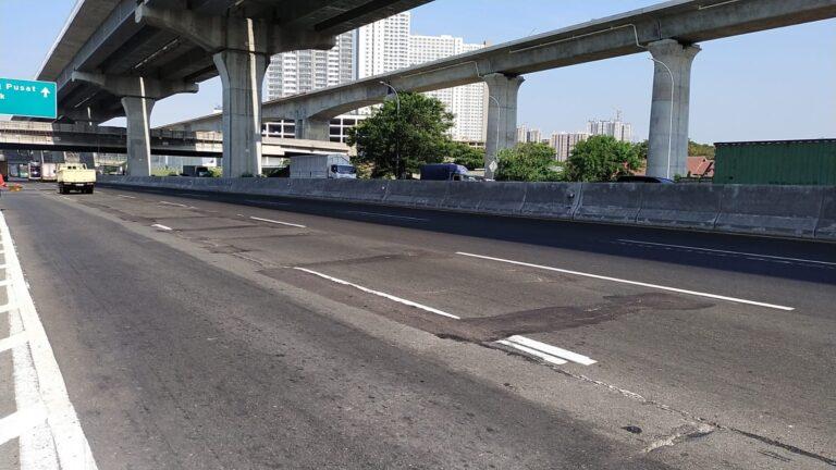 Jasa Marga Rekonstruksi Rigid Pavement di Tol Jakarta-Cikampek