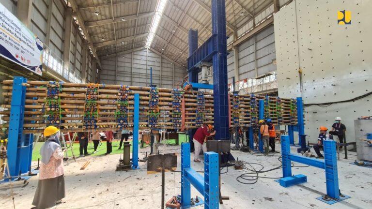 Kementerian PUPR uji Kekuatan Bambu untuk Konstruksi Tol Semarang-Demak
