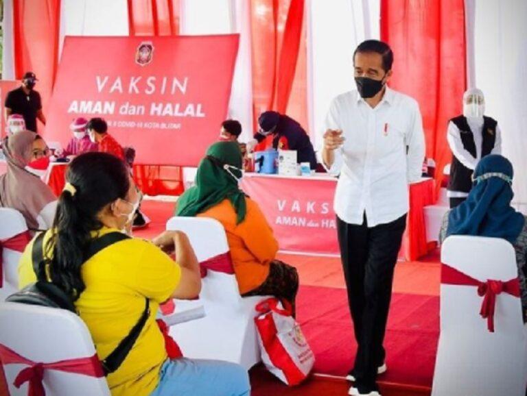 Jokowi Ingatkan Warga Blitar Waspadai Varian Virus Baru