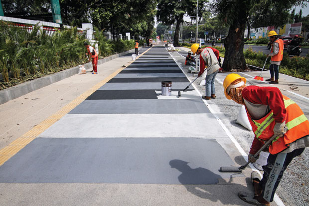 Pemprov DKI Revitalisasi 10 Ruas Trotoar bagi Pejalan Kaki