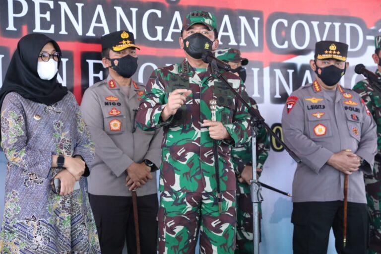 Panglima TNI Tinjau Vaksinasi 1.600 Orang di RSNU Mangir Banyuwangi